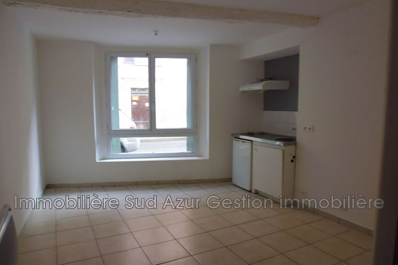 Photo Appartement Pignans  Location appartement  1 pièce   25 m²