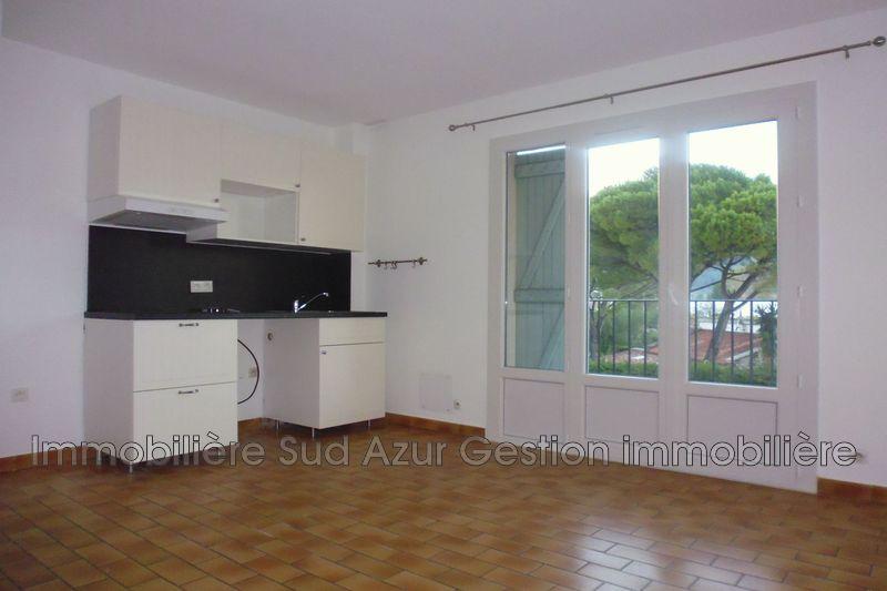 Photo Appartement Solliès-Pont  Location appartement  2 pièces   31m²