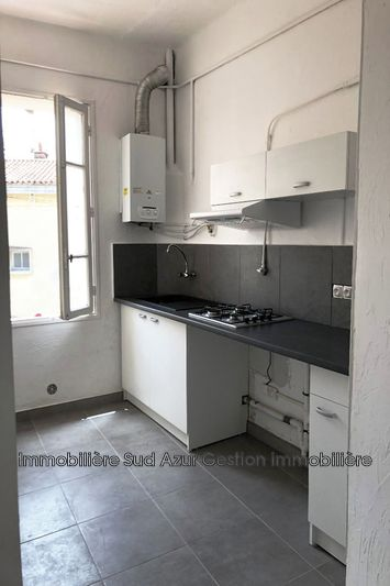 Photo Appartement Toulon  Location appartement  3 pièces   51 m²