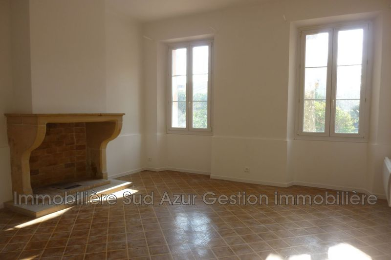 Photo n°2 - Location appartement Solliès-Pont 83210 - 840 €