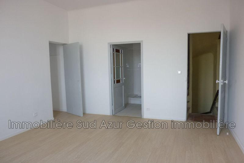 Photo n°4 - Location appartement Solliès-Pont 83210 - 840 €