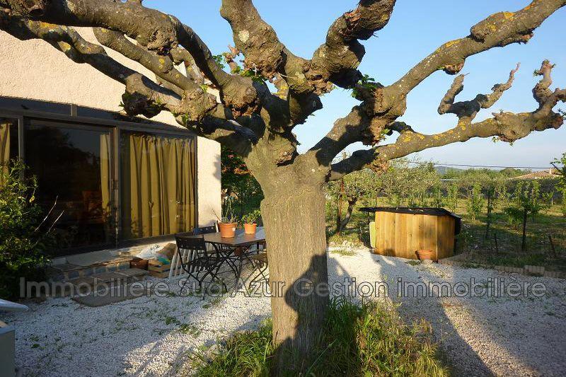 Photo Maison de campagne Solliès-Pont  Location maison de campagne  2 chambres   60m²