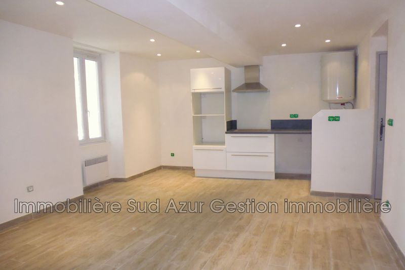 Photo Appartement Solliès-Pont  Location appartement  3 pièces   47 m²