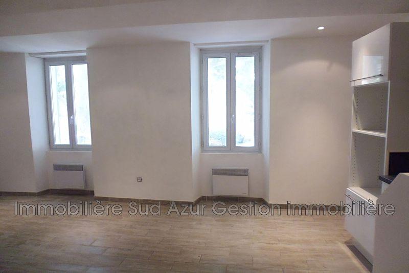 Photo Appartement Solliès-Pont  Location appartement  3 pièces   47m²