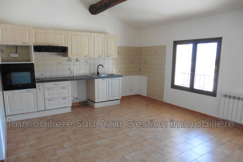 Photo n°2 - Location maison de ville Signes 83870 - 720 €