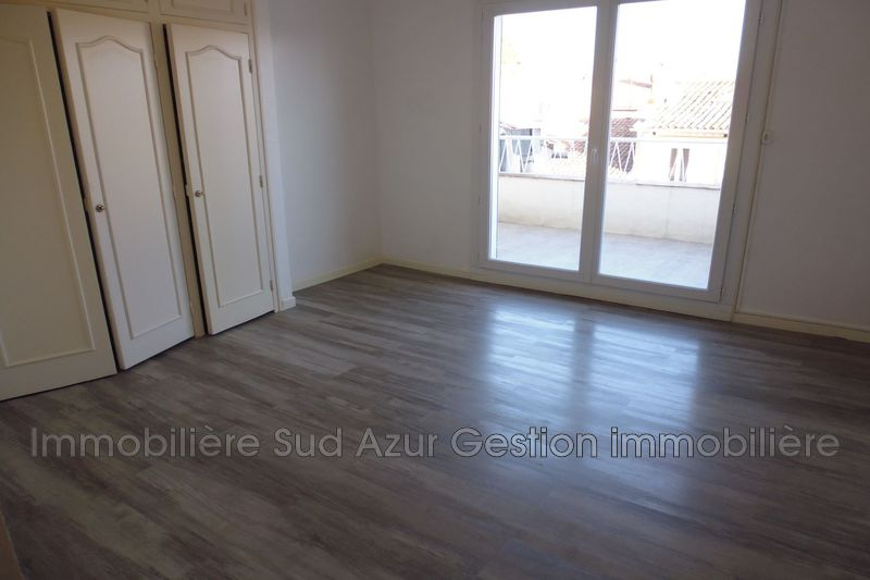 Photo n°2 - Location appartement Solliès-Pont 83210 - 860 €