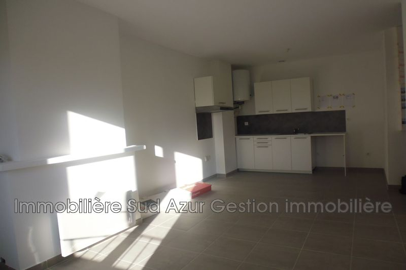 Photo n°1 - Location appartement Hyères 83400 - 672 €