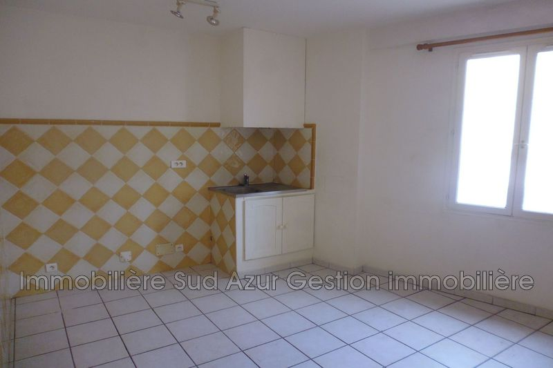 Photo Appartement Solliès-Pont  Location appartement  2 pièces   40 m²