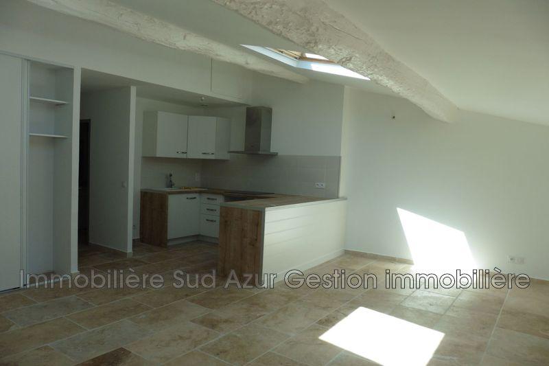 Photo Appartement Solliès-Toucas  Location appartement  3 pièces   60m²
