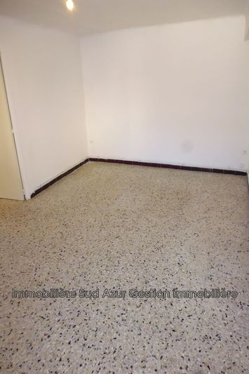 Photo n°3 - Location appartement Solliès-Pont 83210 - 595 €