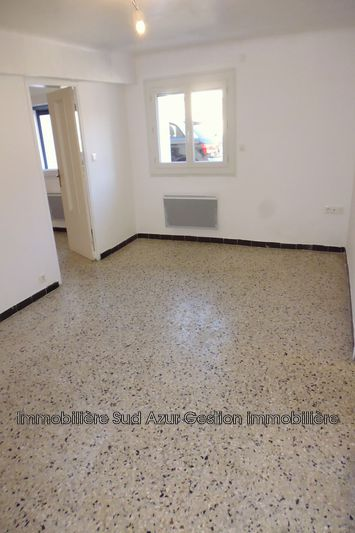 Photo n°2 - Location appartement Solliès-Pont 83210 - 595 €