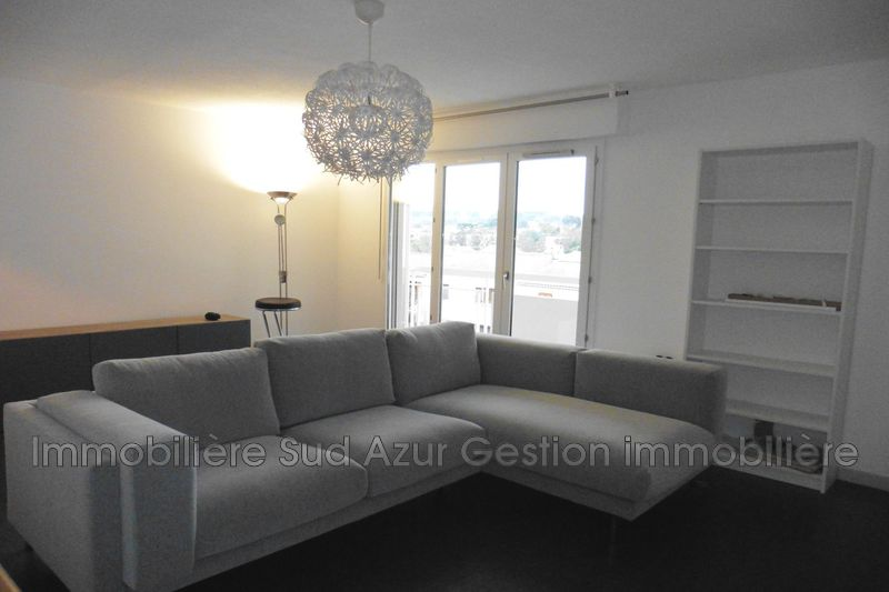 Photo Appartement Toulon  Location appartement  3 pièces   59 m²