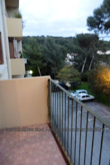 Photo Appartement Toulon  Location appartement  3 pièces   57 m²