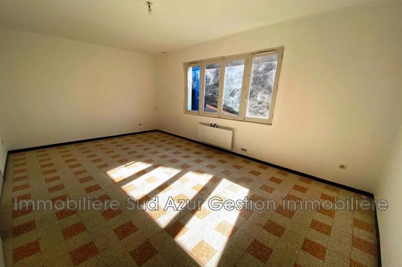 Photo Appartement Solliès-Pont  Location appartement  3 pièces   59m²