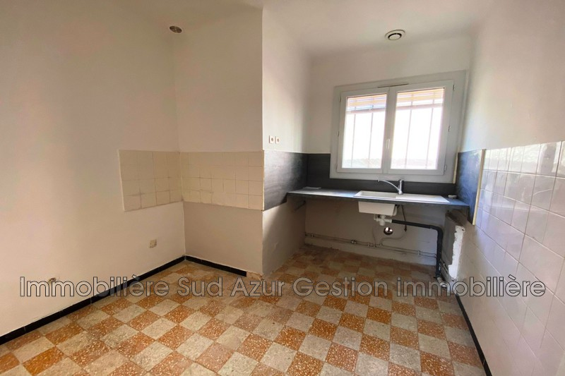 Photo n°3 - Location appartement Solliès-Pont 83210 - 660 €