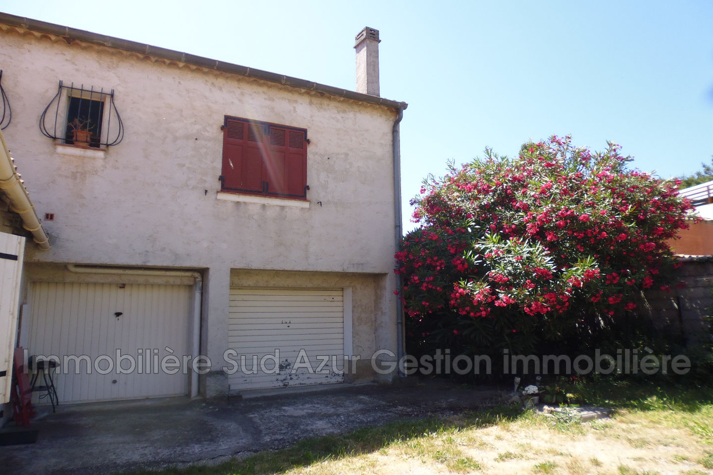Vente maison de ville solli s pont 83210 189 000 for Location garage sollies pont