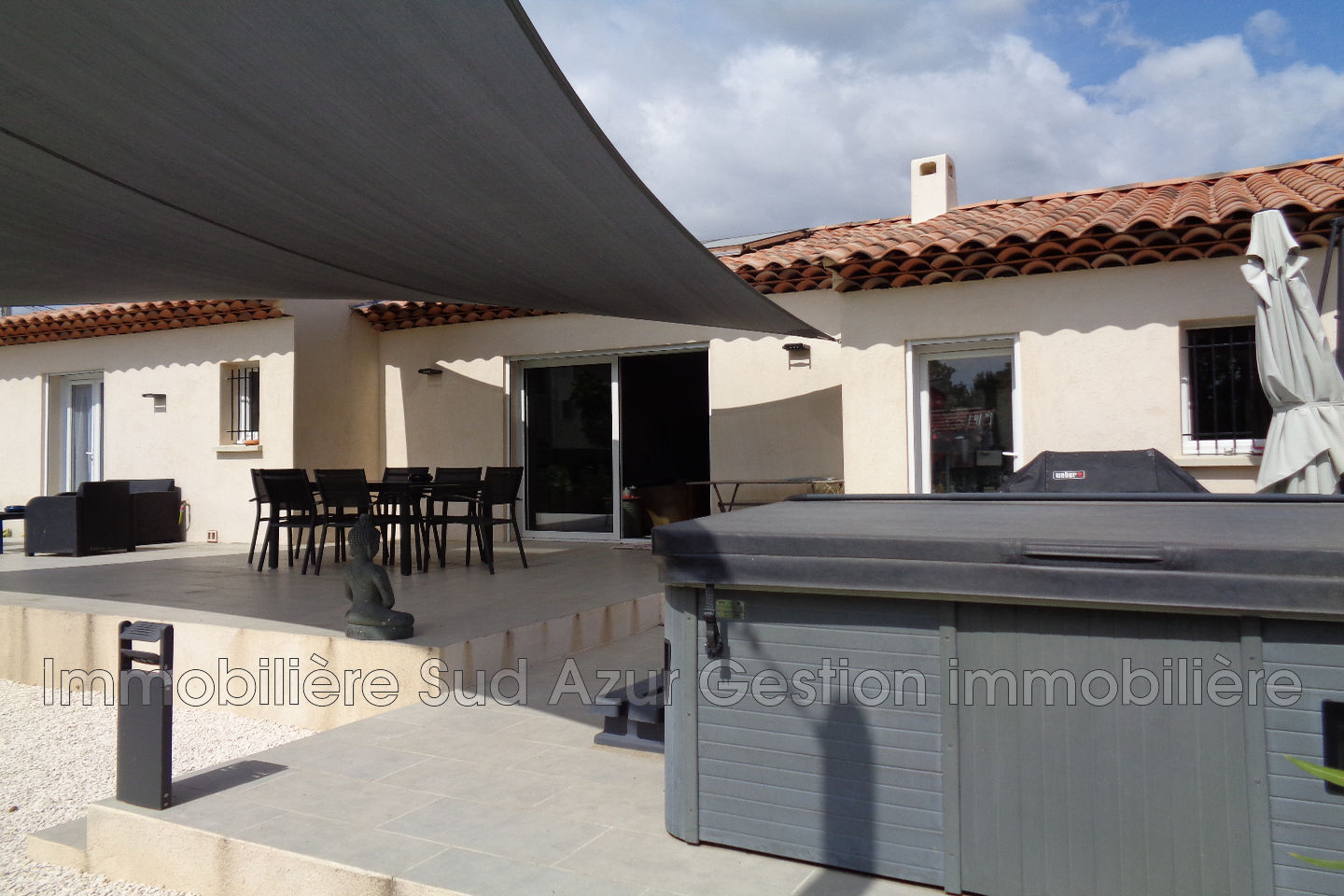 Villa solli s ville achat villa 3 chambres for Location garage sollies pont