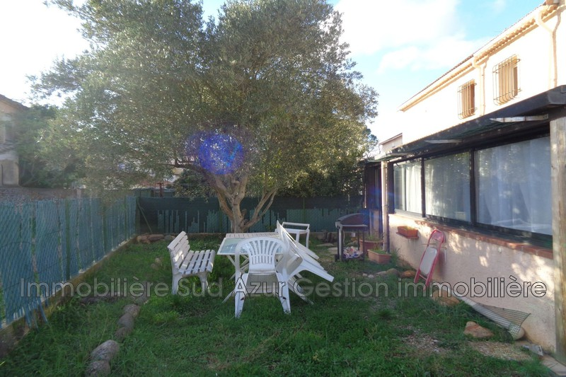 Photo Villa Garéoult   to buy villa  5 rooms   95m²
