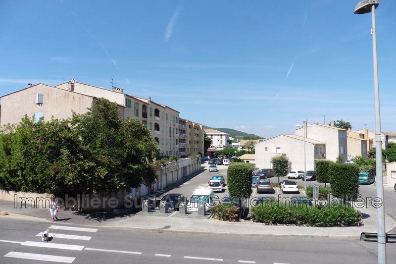 Photo n°2 - Vente appartement Solliès-Pont 83210 - 154 000 €