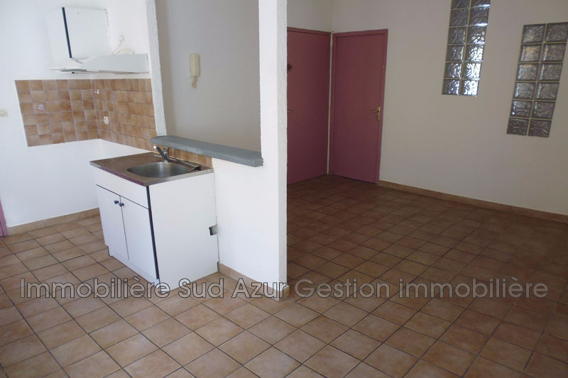Photo n°2 - Vente appartement Solliès-Pont 83210 - 91 800 €
