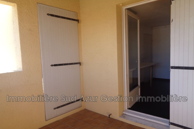 Photo n°4 - Vente appartement Solliès-Pont 83210 - 170 000 €