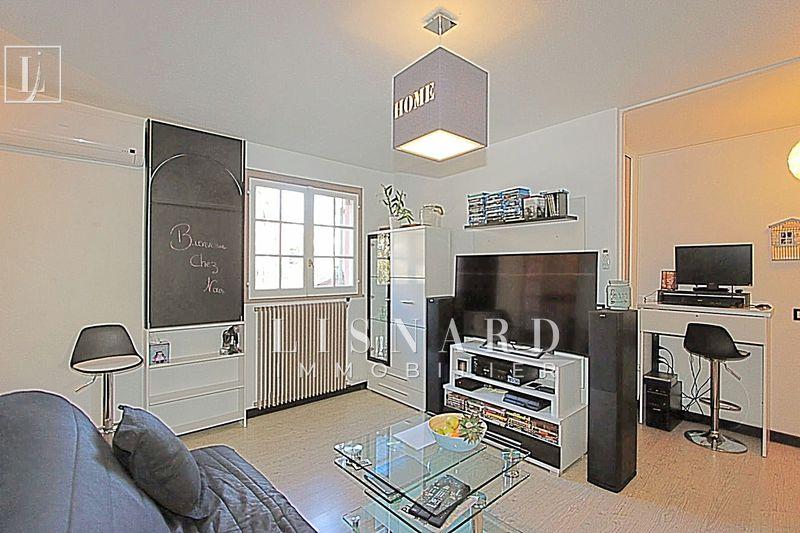 appartement  1 room  Vallauris   26m² -