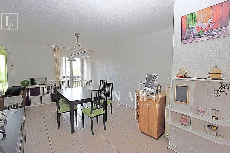 Appartement Vallauris   achat appartement  4 pièces   75m²