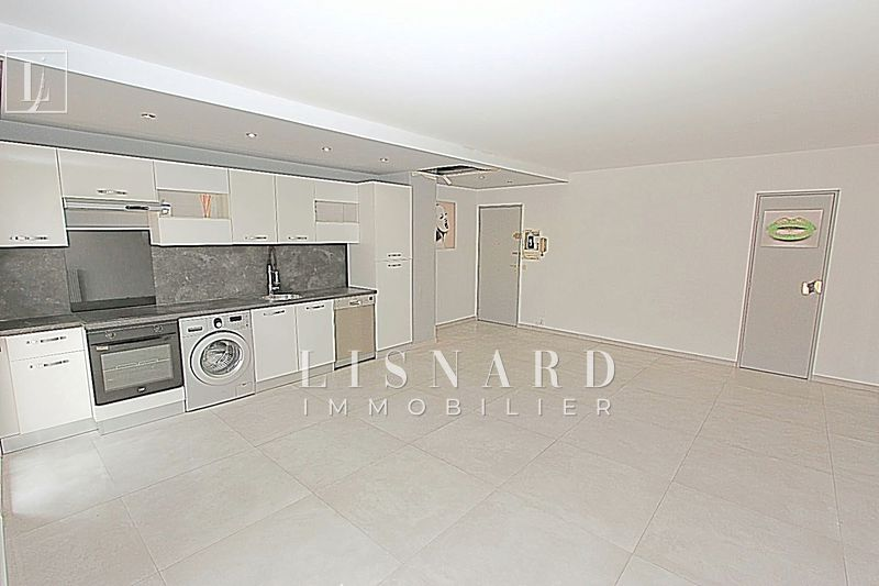 appartement  2 rooms  Vallauris   54 m² -