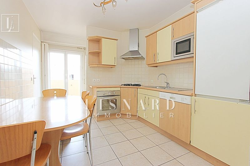 appartement  4 rooms  Vallauris   82 m² -