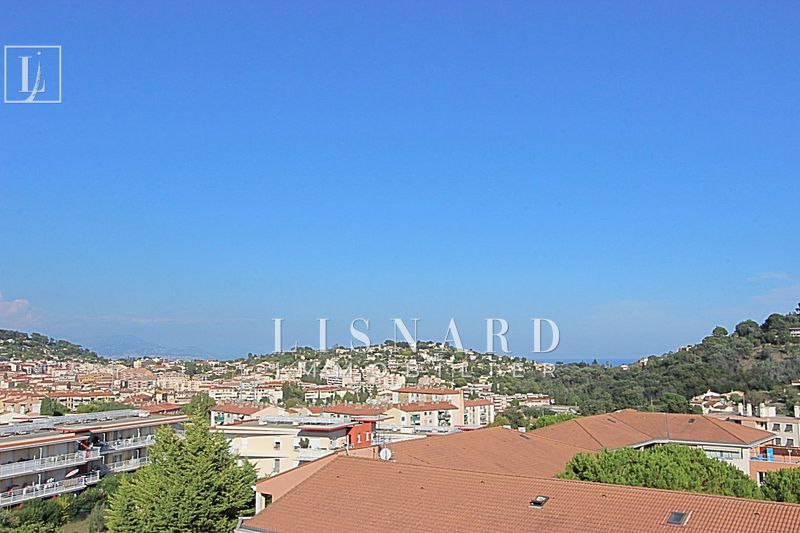 appartement  3 rooms  Vallauris   67 m² -
