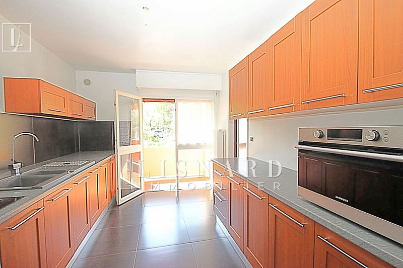 appartement  3 rooms  Vallauris   71 m² -