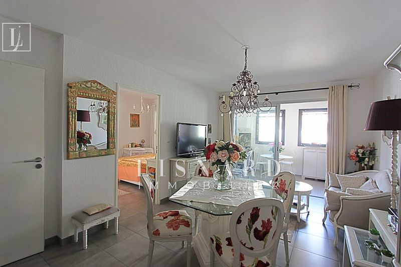 appartement  2 rooms  Golfe-Juan Close ti the beaches  44 m² -