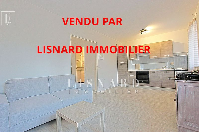 appartement  2 rooms  Vallauris   31 m² -