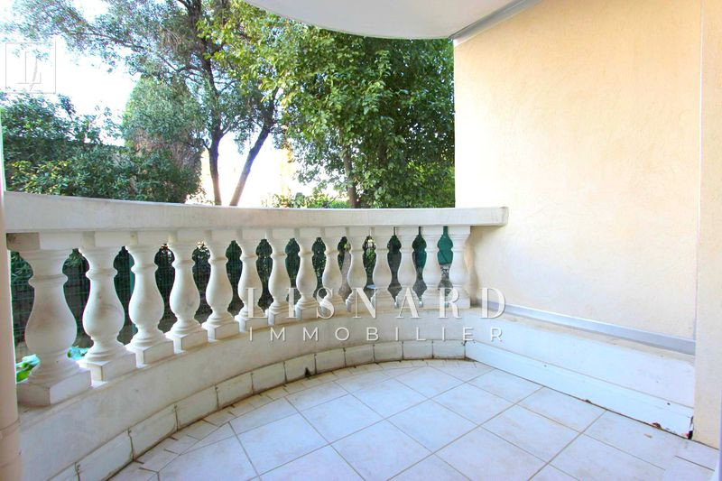 Photo Apartment Golfe-Juan Proche plages,   to buy apartment  1 room   24 m²