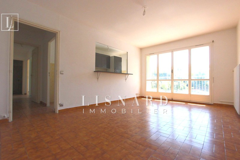 appartement  3 rooms  Vallauris   64 m² -