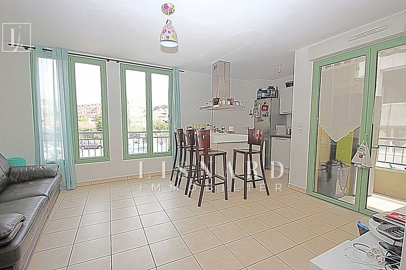 appartement  3 rooms  Vallauris   54 m² -
