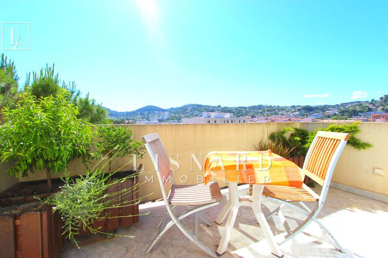 appartement  studio  Vallauris   24 m² -