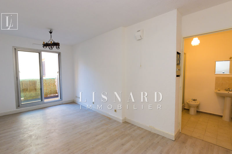 appartement  studio  Vallauris   19 m² -