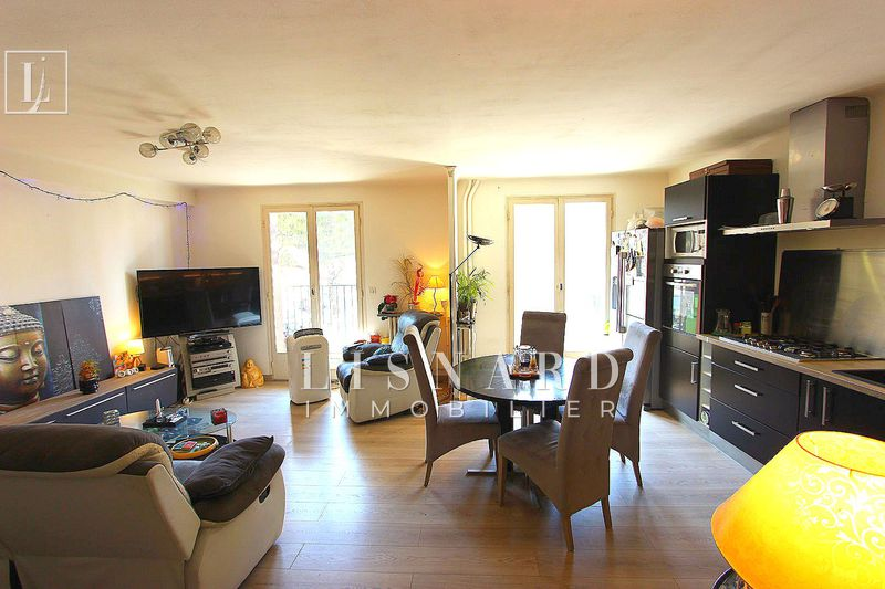 appartement  4 rooms  Golfe-Juan   75 m² -
