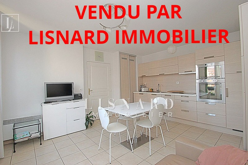 Photo Appartement Vallauris   achat appartement  2 pièces   38m²