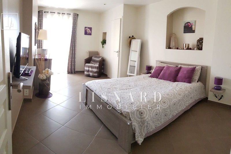 Photo Apartment Vallauris Centre-ville,   to buy apartment  3 rooms   76 m²