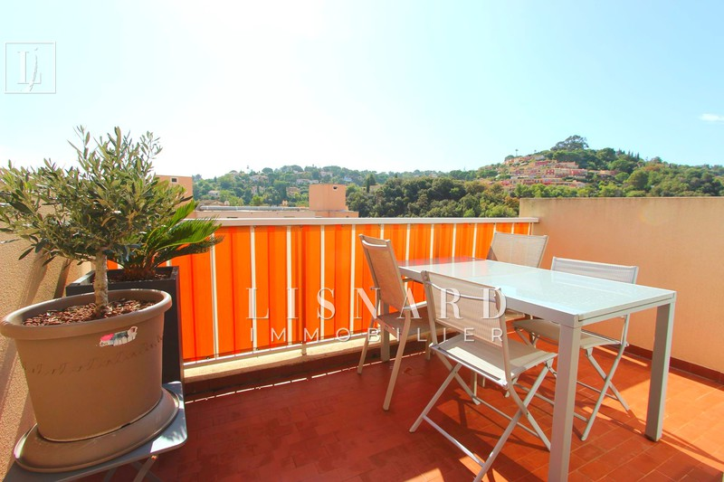 appartement  3 rooms  Vallauris   70 m² -