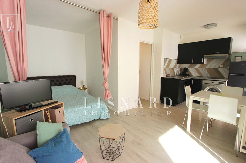 appartement  studio  Vallauris   25 m² -