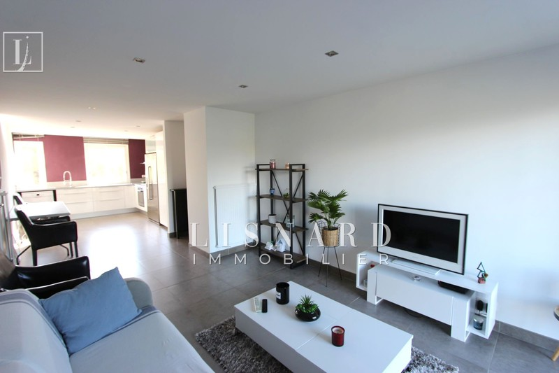 Photo Apartment Vallauris Collines,   to buy apartment  3 rooms   63 m²