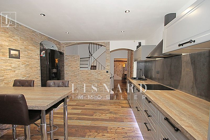 maison  4 rooms  Vallauris   75 m² -