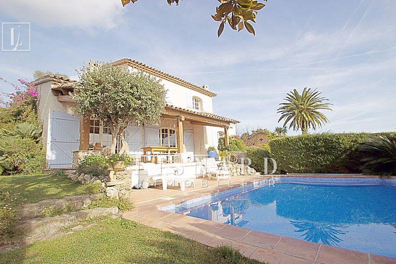 maison  5 pièces  Golfe-Juan   153m² -