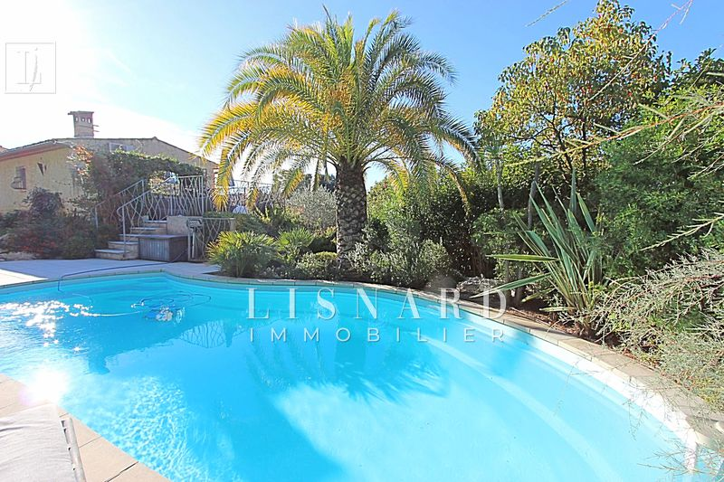 Photo Villa Vallauris Collines,   achat villa  3 chambres   140 m²