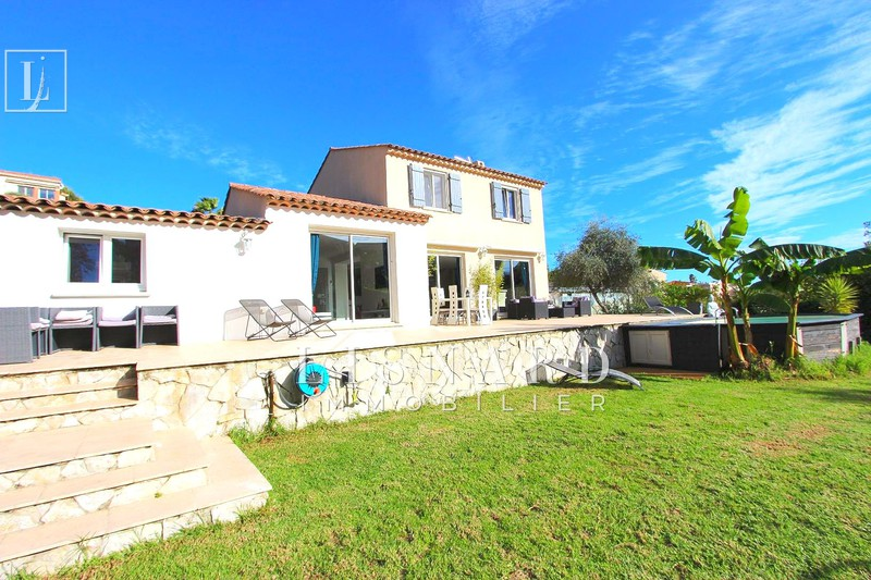 Villa Golfe-Juan   to buy villa  4 bedrooms   150 m²