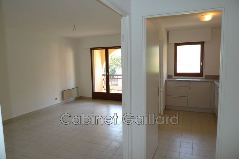 Photo n°1 - Location appartement Peymeinade 06530 - 640 €