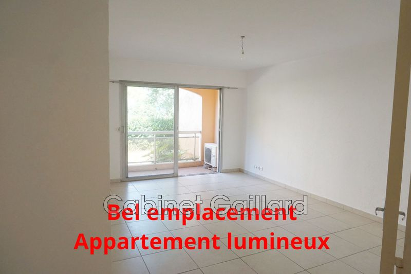 Photo Apartment Peymeinade Centre-ville,   to buy apartment  3 room   65 m²
